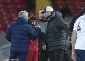 Mourinho: 'Klopp không xứng đáng, Flick quá tội nghiệp'