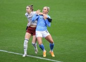 MU giữ ngôi đầu bóng đá Anh nhờ bàn thắng muộn