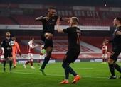 Thắng đậm Arsenal tại Emirates, Man. City vào bán kết EFL Cup