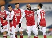 Arsenal thắng trận thứ ba liên tiếp, Tottenham vào Top 3