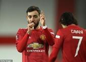 Fernandes tiết lộ bí quyết sút phạt giúp MU hạ Liverpool