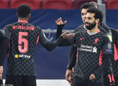Hàng công tỏa sáng giúp Liverpool giải hạn