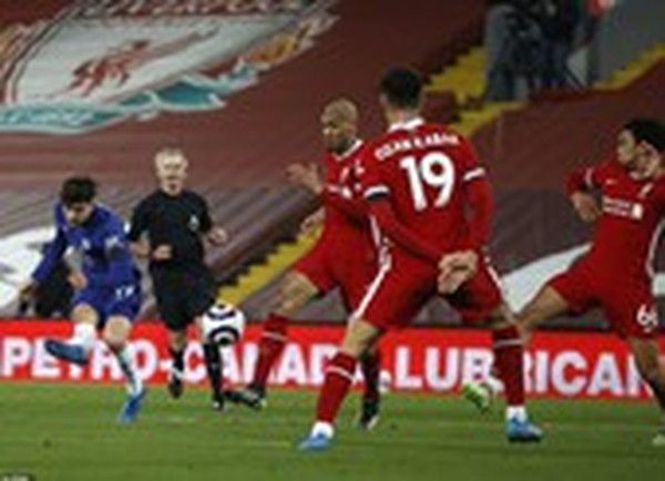 Thắng Liverpool tại Anfield, Chelsea trở lại Top 4