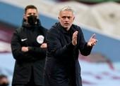Mourinistas giúp Mourinho phớt lờ mọi chỉ trích