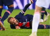 Giọt nước mắt bất lực của Neymar