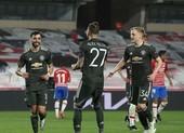 MU rộng cửa đi tiếp, Arsenal tiếc nuối cuối trận