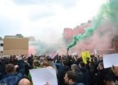 Hoãn trận đấu MU-Liverpool do CĐV bạo động tại Old Trafford