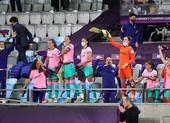 'Hủy diệt' Chelsea, nữ Barcelona đăng quang Champions League