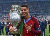Lần đầu, lần cuối và kỷ lục đang chờ Ronaldo