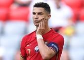 Ronaldo bị gọi là kẻ ngốc vì hành động gây tranh cãi