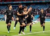 HLV Low thách thức tuyển Anh sau trận cầu đau tim