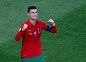 Messi gọi, Ronaldo trả lời bằng hai kỷ lục lịch sử