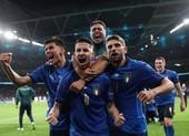 Pha nhảy chân sáo giúp Ý hạ Tây Ban Nha vào chung kết Euro