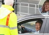 Sir Alex Ferguson bị đối xử khó tin trên sân Wembley