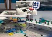 'Bãi chiến trường' trong phòng thay đồ của tuyển Ý