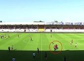 Nhà vô địch Ligue 1 tạo nên cảnh tượng xấu hổ