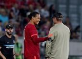 Van Dijk trở lại sau 285 ngày, Liverpool thủng lưới 4 bàn