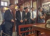 Phó Thủ tướng Trương Hòa Bình thăm, trao quà tết tại Quảng Trị