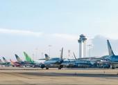 Cả trăm chuyến bay bị hủy do bão số 9