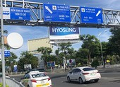 Ngày đầu sân bay Tân Sơn Nhất phân làn, tài xế còn lúng túng