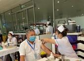2.000 người làm việc tại sân bay Tân Sơn Nhất tiêm vaccine