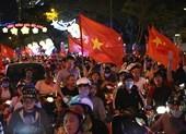 Cả nước ra đường ăn mừng chiến thắng của U23 Việt Nam
