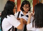Đề thi tiếng Anh 10: Học sinh than khó
