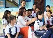 Cô Phượng hiệu trưởng gây thương nhớ cho học trò
