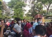 Vụ bữa ăn bán trú: hàng trăm phụ huynh kéo đến trường