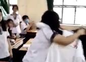 Học sinh đứng nhìn bạn bị đánh cũng khiến ta âu lo...