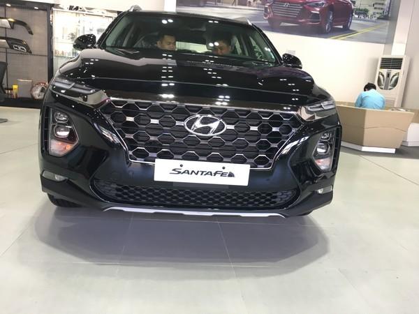 Hyundai SantaFe thuộc tốp xe ấn tượng của năm 2019.