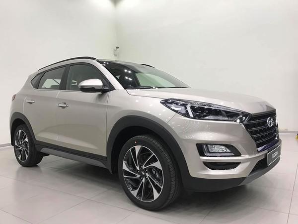 Khách hàng mua xe Hyundai Tucson được khuyến mãi 10-20 triệu đồng.