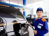 Giá xăng giảm, ô tô đổ đầy bình chưa tới 500 ngàn đồng