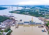 Cận cảnh 6 cổng 'khổng lồ' dự án 10.000 tỉ ở cửa ngõ sông