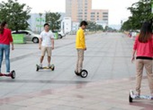 Xe điện cân bằng có được chạy trên đường như xe điện?