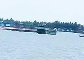 Chìm sà lan trên sông Tiền, 3 người thoát chết trong gang tấc