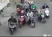 Bắt nhóm dàn cảnh va quẹt xe của phụ nữ để trộm cắp