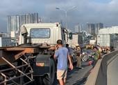 Tông liên hoàn trên cầu Phú Mỹ, kẹt xe từ sáng đến trưa