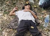 Bắt nghi phạm đâm chết người rồi trốn vào rừng sâu