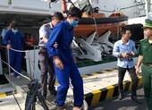 3 thuyền viên kể lại 50 giờ ôm ván lênh đênh trong bão số 9