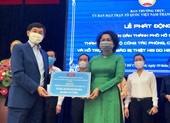 Doanh nhân Johnathan Hạnh Nguyễn góp 25 tỉ đồng chống COVID-19