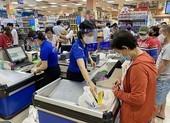 Chùm ảnh: Siêu thị, cửa hàng ở TP.HCM dồi dào hàng hóa