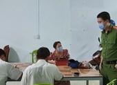 Cà Mau: 6 người nhậu cùng bàn bị lập biên bản