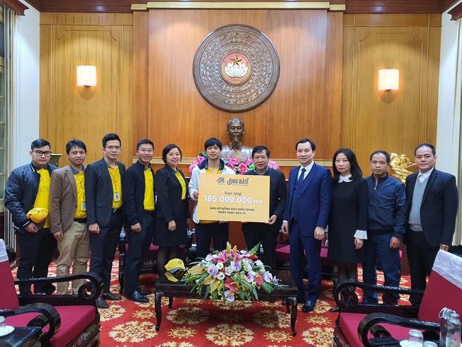 Công Phượng và đồng đội chung tay ủng hộ đồng bào miền Trung