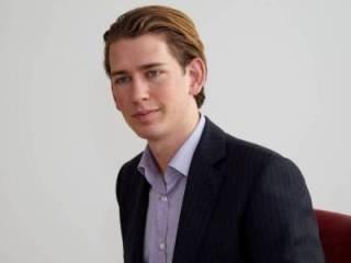 Áo bổ nhiệm ngoại trưởng mới 27 tuổi