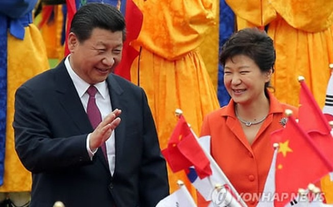 """Trung Quốc thúc đẩy quan hệ với Hàn Quốc, Triều Tiên """"phật lòng"""""""