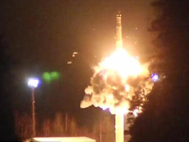 Nga thử tên lửa đủ sức mang 12 đầu đạn hạt nhân