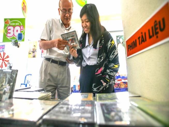 Lý do không cần xếp hàng mua đĩa Mỹ Tâm, Uyên Linh