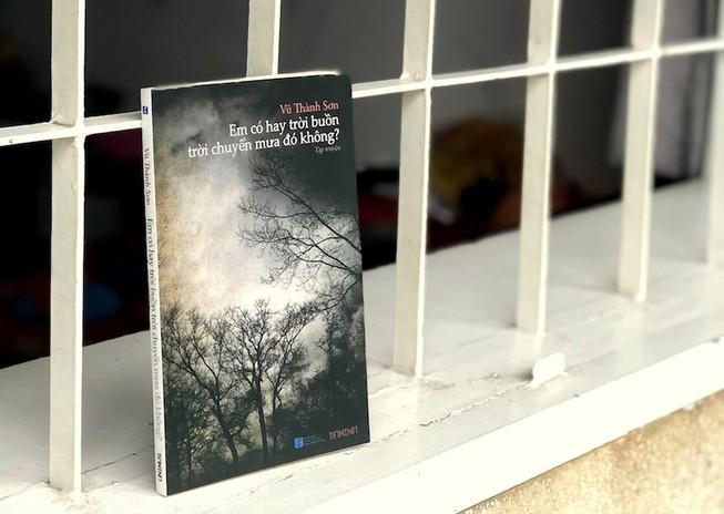 Tặng sách 'Em có hay trời buồn trời chuyển mưa đó không?'