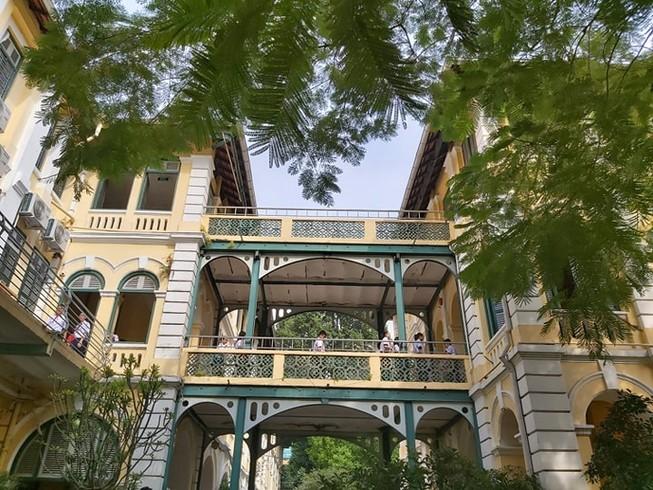 Trường THPT chuyên Trần Đại Nghĩa vừa được xếp hạng Di tích lịch sử văn hóa cấp Thành phố. Ảnh: Trí Nhiên
